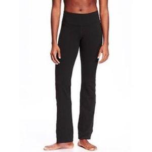 Black Old Navy high rise yoga workout pants